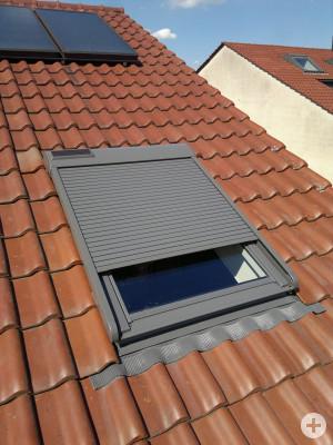 Dachfenster mit Rolladen